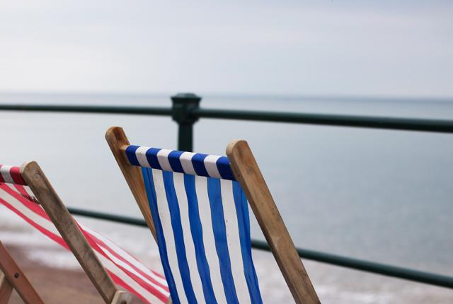 Cider-with-Rosie-deck-chair