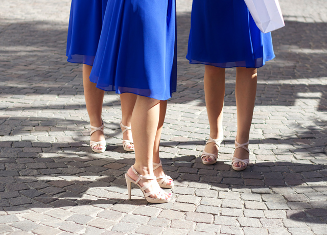 Bridesmaids-in-royal-blue-and-nude