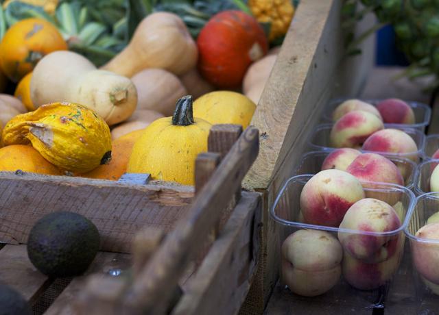 Pumpkins-and-peaches-at-Borough-market