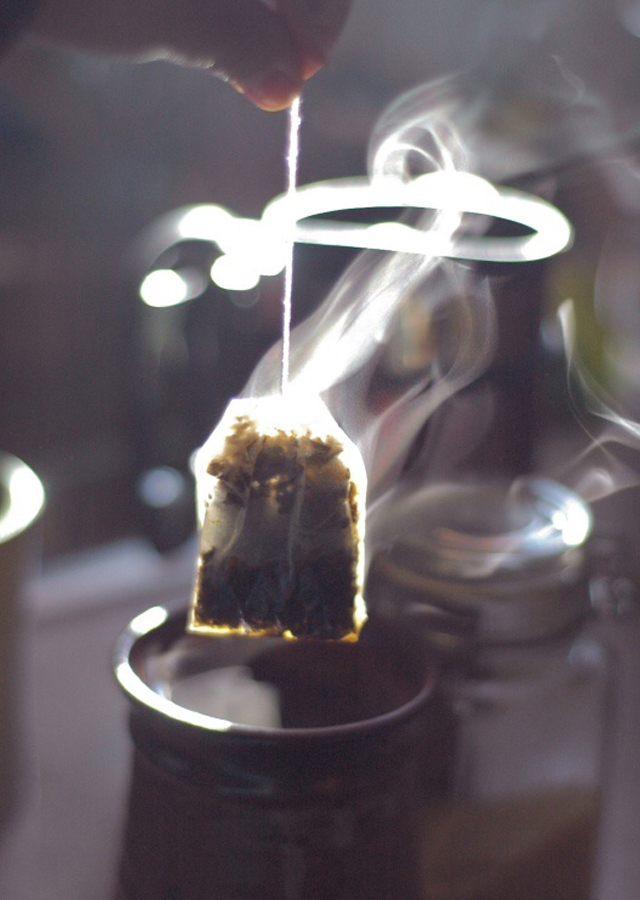Tea-teabag-and-smoke