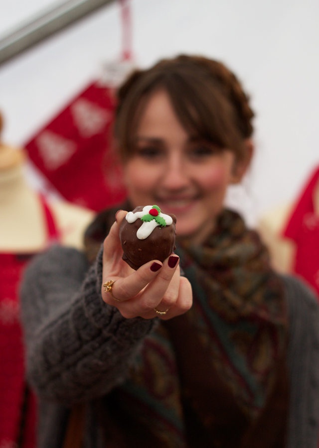 Wealden-Times-Midwinter-Fair-Cider-with-Rosie-Christmas-pudding-truffle