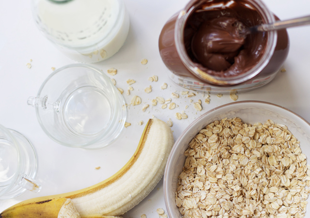 Nutella-banana-breakfast-milkshake-ingredients