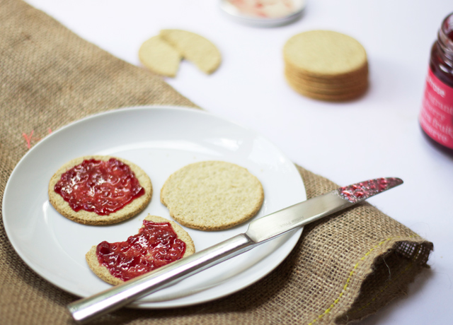 Oatcakes-with-raspberry-jam