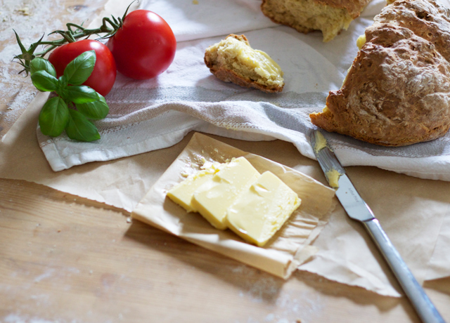 Cider-with-Rosie-River-Cottage-soda-bread-2