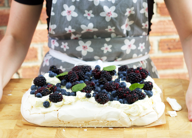 Purple-berry-pavlova