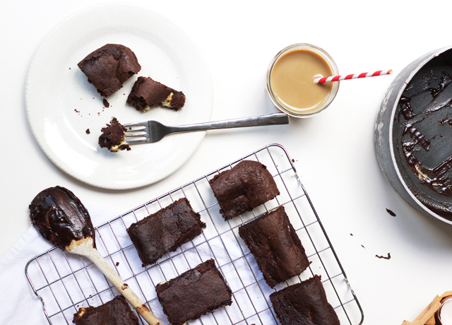 White-chocolate-and-caramel-brownies-recipe