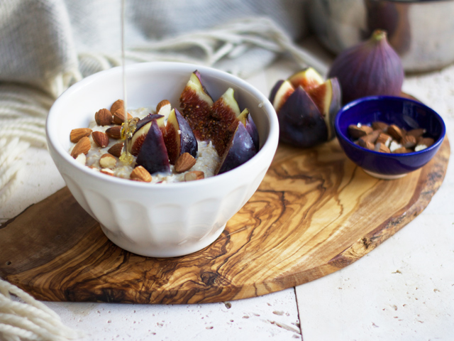Fig-almond-and-honey-porridge