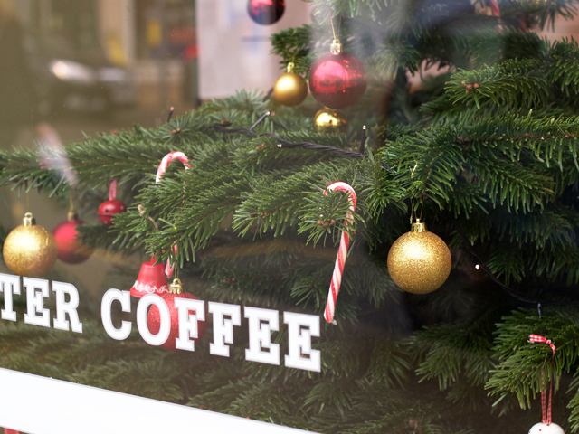 Guildford-shop-Christmas-tree