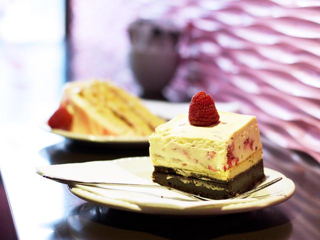 Hummingbird-cheesecake-slice