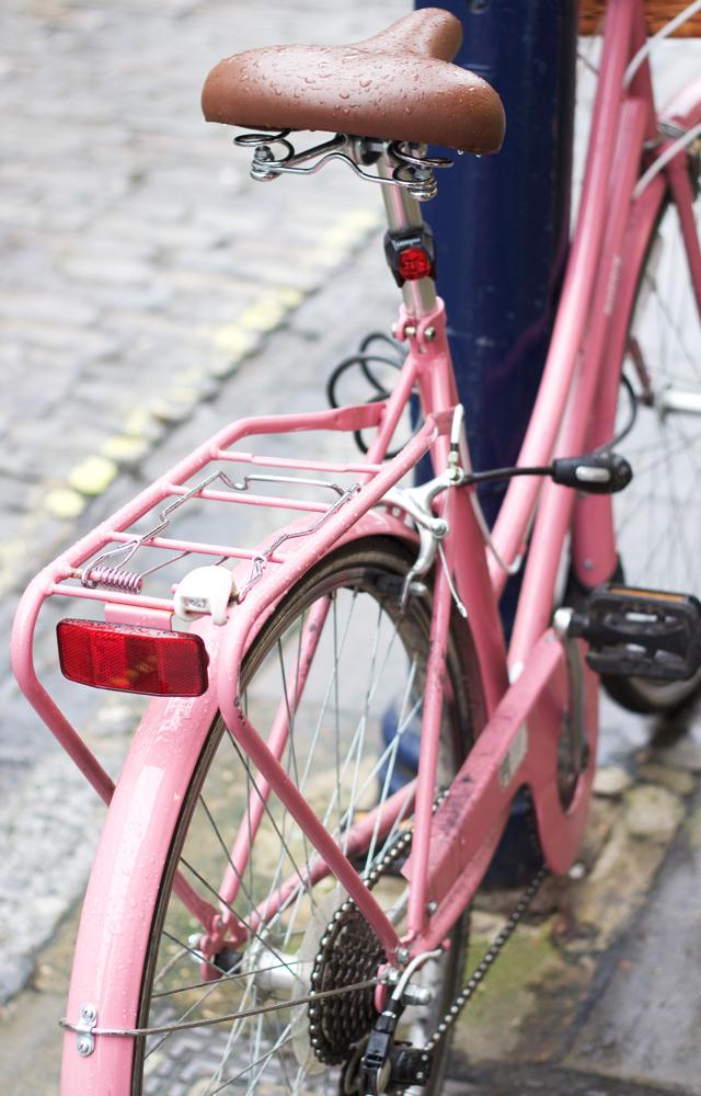 Pink-bike-Guildford-Cider-with-Rosie