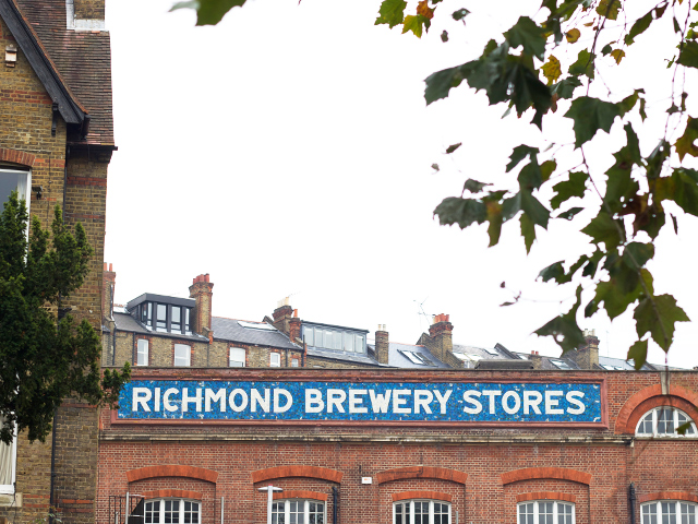 Richmond-brewery-stores-sign