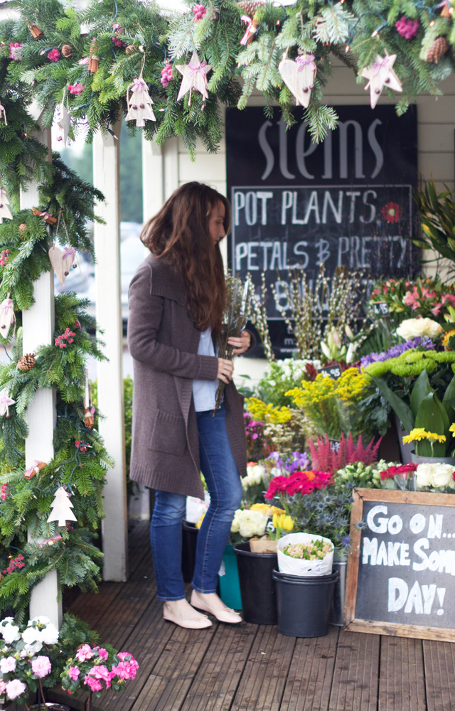 Buying-weekend-flowers-Rosie-Reynolds-Cider-with-Rosie