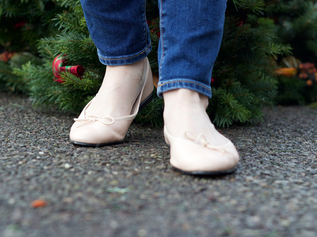 French-Sole-nude-ballet-pumps-