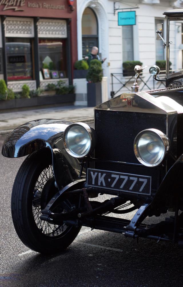 Vintage-Rolls-Royce-Cider-with-Rosie-Netflix