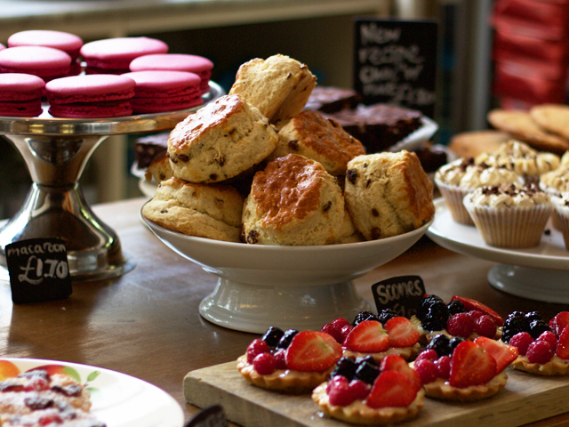 The-Albion-scones-Cider-with-Rosie-lifestyle-photography