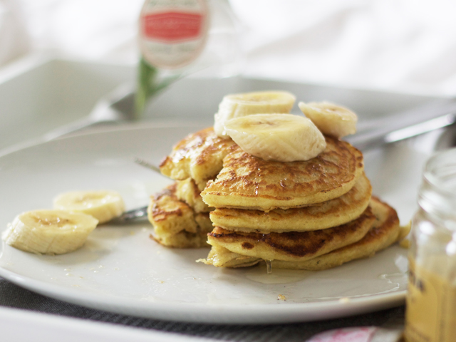 Thick-pancakes-with-banana-and-honey-Cider-with-Rosie