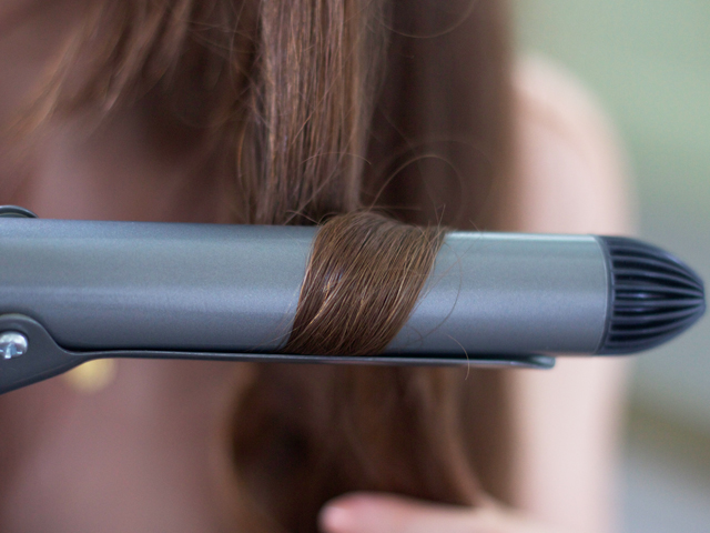 Cider-with-Rosie-Babyliss-curling-wand