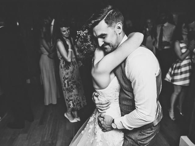 Cider-with-Rosie-English-country-garden-wedding-12