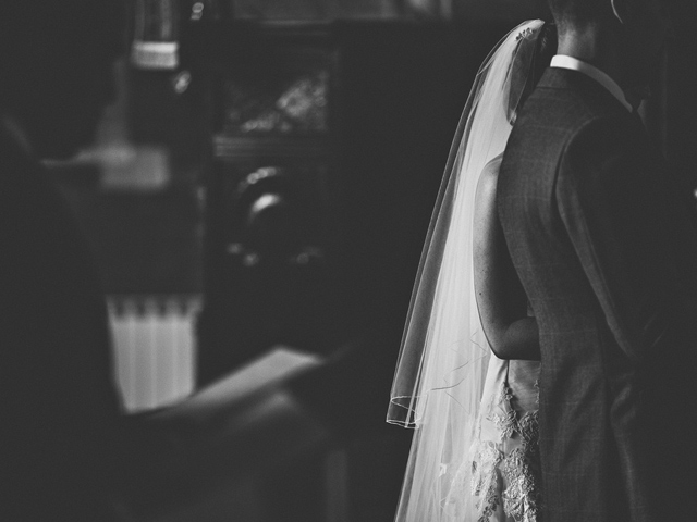 Cider-with-Rosie-wedding-ceremony-Sam-Docker20