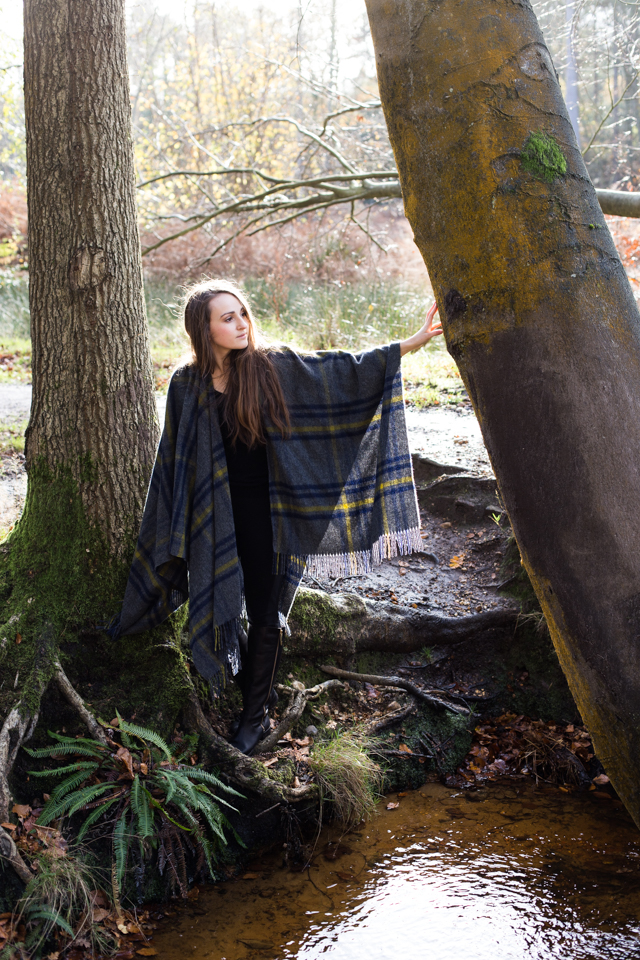 Cider-with-Rosie-tartan-cape-4