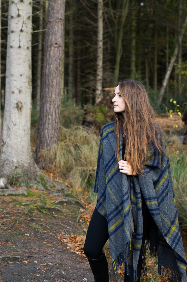 Cider-with-Rosie-tartan-cape-7